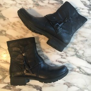 CLARKS Riddle Avant Ankle Boot sz 6.5